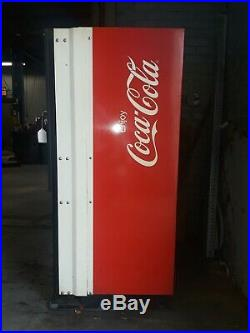 1982 Dixie Narco Coke Vending Machine Dncb 168/99-5 Coca Cola Works