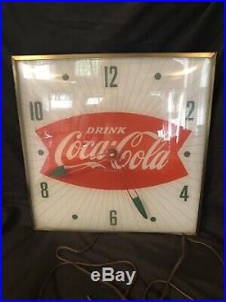 Original 1960s Pam Clock Co. Coca Cola Fishtail Lighted Clock Beautiful Cond