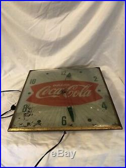 Original 1960s Pam Clock Co. Coca Cola Fishtail Lighted Clock Works Great