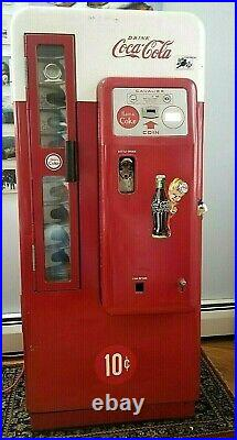 Vintage Coca Cola Machine 10 cent, Cavalier 72 runs and is ice cold